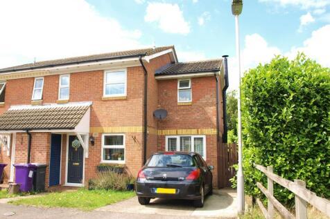 Rhee Spring, Baldock, Hertfordshire SG7. 3 bedroom semi-detached house