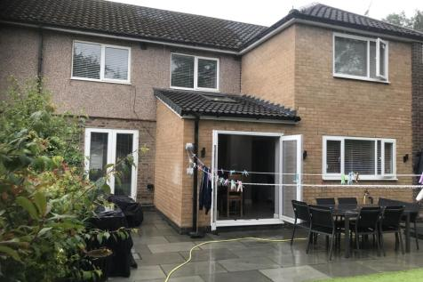 Tarvin Road, Cheadle, Cheshire SK8. 5 bedroom end of terrace house