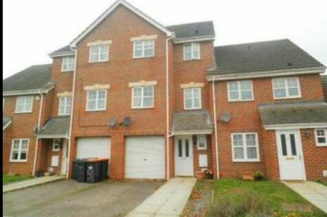 Haynes road, Bedford, Bedfordshire MK42. 3 bedroom terraced house