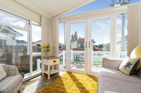 Warrant Road, Market Drayton, Shropshire TF9. 2 bedroom bungalow