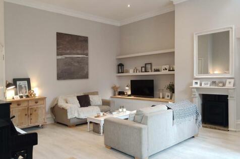 Sherwood House , Edgerton, Huddersfield HD1. 3 bedroom property
