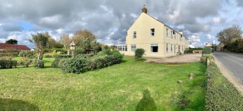 Fraggle Rock, La Trigale, Alderney,. 6 bedroom town house for sale