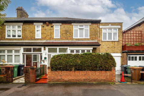 Wellesley Road, London. 5 bedroom end of terrace house for sale
