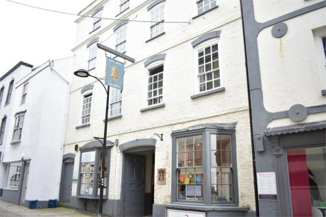 Old Bell Chambers, Bank Street, Chepstow. 1 bedroom apartment