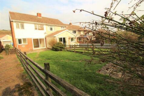 Pant Y Seren, Tonyrefail, Porth, CF39 8DX, South Wales - Semi-Detached / 3 bedroom semi-detached house for sale / £119,950