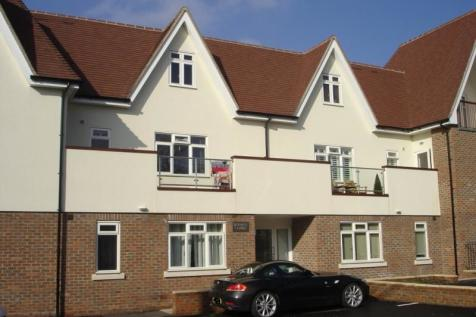 Grove Road Burgess Hill RH15 8GG. 1 bedroom flat