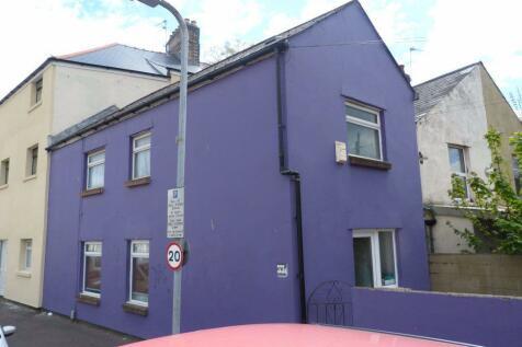 2 Bed, Llanbleddian Gardens. 2 bedroom flat