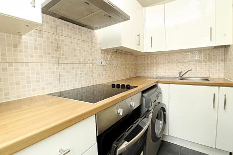 Mandeville Court, LONDON, E4 8JD. 1 bedroom flat
