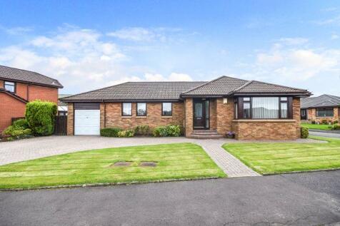 South Dumbreck Road, Kilsyth. 3 bedroom bungalow