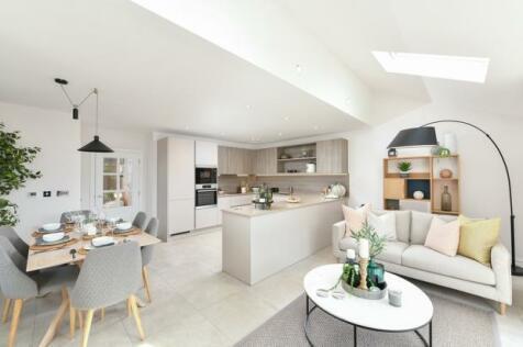 Highwood Village, The Boulevard, Horsham, West Sussex,  RH12 1FF. 4 bedroom end of terrace house for sale
