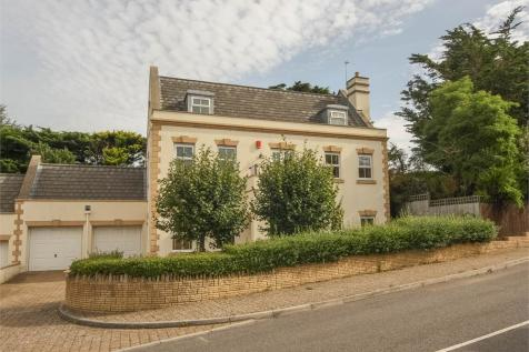 Cavendish House, 33 Bleadon Hill, BLEADON, Weston-Super-Mare, Somerset. 5 bedroom detached house