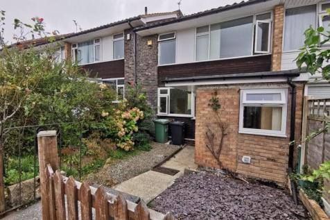 Meriden Avenue, Garforth. 3 bedroom terraced house