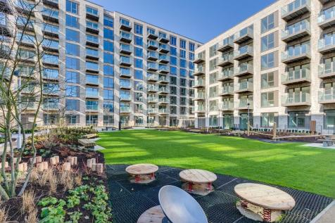 2 bedroom property in Royal Wharf. 2 bedroom property