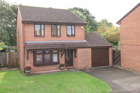 West Totton. 3 bedroom detached house for sale