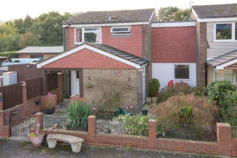 Totton. 4 bedroom end of terrace house for sale