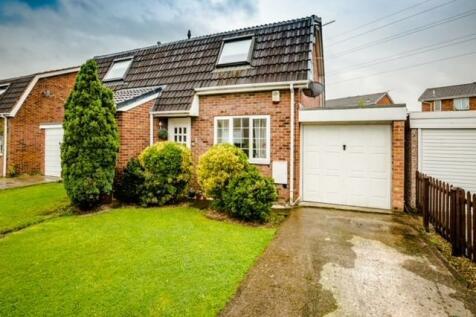 Rockwood Crescent, Calder Grove, Wakefield, West Yorkshire, WF4. 3 bedroom semi-detached house for sale