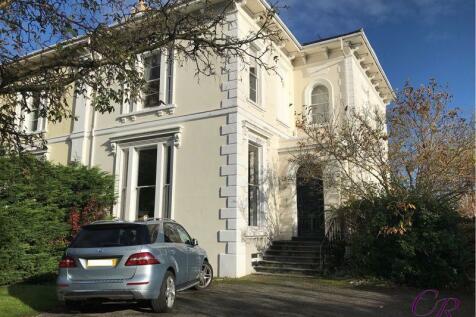 Pittville Crescent, Cheltenham Town Centre. 2 bedroom apartment for sale