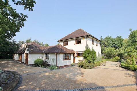 Gayton Lane, Gayton, Wirral. 5 bedroom detached house for sale