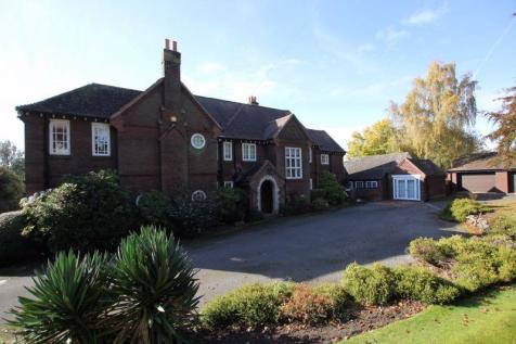Poulton Royd Drive, Spital, Wirral. 5 bedroom detached house for sale
