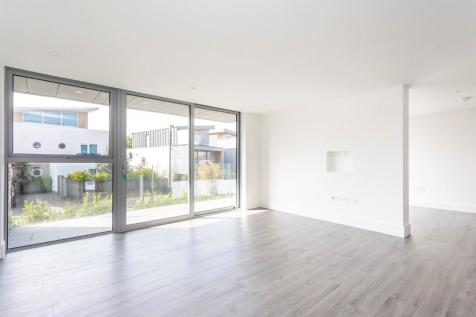 Salterns Way, Lilliput, Poole, Dorset, BH14. 3 bedroom apartment