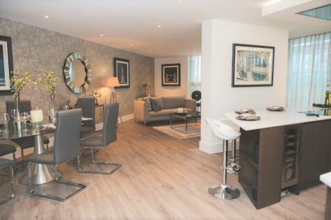 Salterns Way, Lilliput, Poole, Dorset, BH14. 3 bedroom apartment
