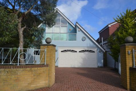Panorama Road, Sanbanks, Dorset, BH13. 3 bedroom detached house