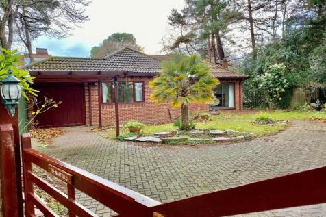 Western Road, Canford Cliffs, Dorset, BH13. 3 bedroom detached bungalow
