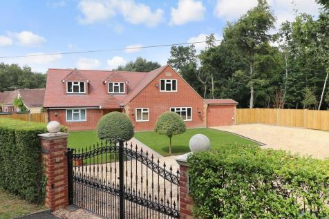 Pinewood Park, Kanes Hill. 4 bedroom detached house
