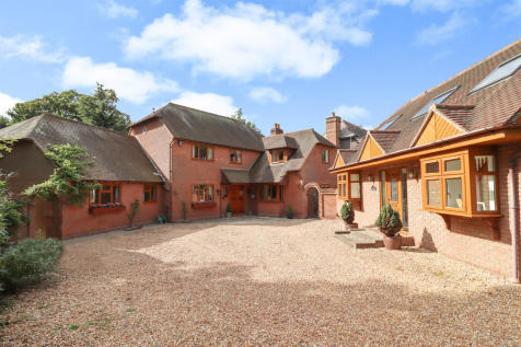 High Street, Hamble. 7 bedroom detached house for sale