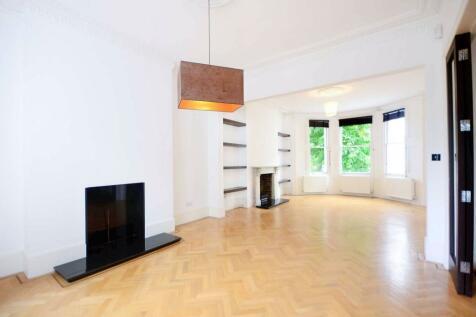 Netherwood Road, Brook Green, London, W14. 4 bedroom maisonette