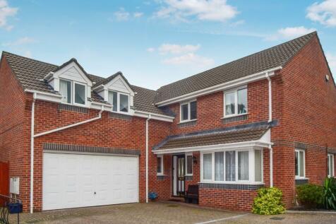 Fairacre Avenue, Barnstaple, EX32. 5 bedroom detached house for sale
