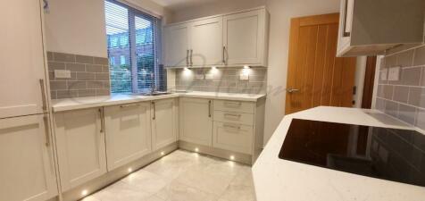 Pembroke Road, Kensington, W8. 2 bedroom apartment