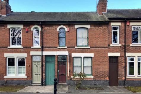Chester Green Road, Chester Green, Derby. 3 bedroom terraced house