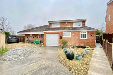 Somerville Way, Bridgwater. 4 bedroom detached house for sale