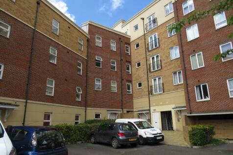 Squires Court, Bedminster, BS3 4BU. 2 bedroom apartment