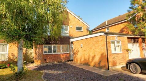 Southwood Close, Bromley, BR1. 4 bedroom link detached house