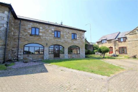 Holway Court, Holywell, Flintshire, CH8, North Wales - House / 2 bedroom house for sale / £130,000