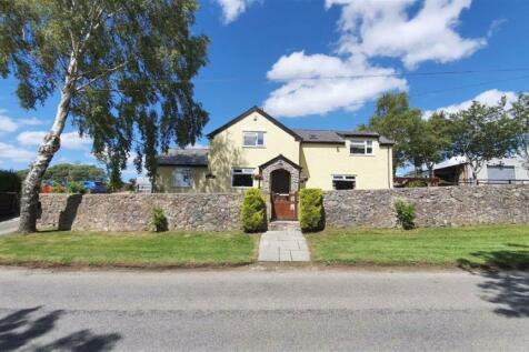 Ffordd Groes, Brynford, Flintshire, CH8. 4 bedroom detached house