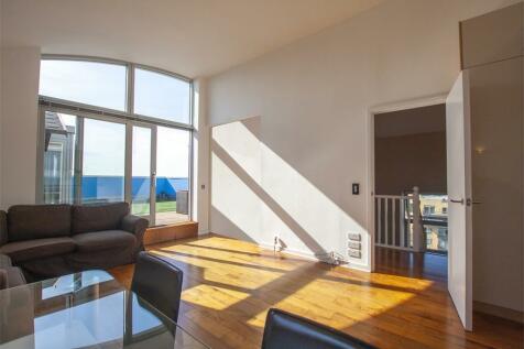 North Greenwich Peninsula, SE10. 3 bedroom flat