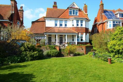 Vicarage Drive, Eastbourne, BN20 8AP. 5 bedroom detached house