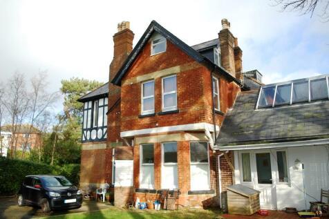 6, 20 Durrant Road, Lower Parkstone. 1 bedroom ground floor flat