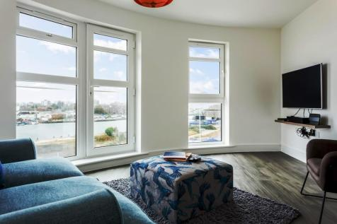 Apartment 10, 17 Jefferson Avenue. 2 bedroom apartment
