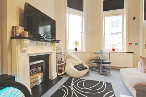 Christchurch Road, Bournemouth. 1 bedroom ground maisonette for sale