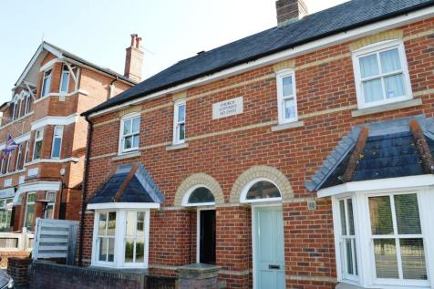 17 Parr Street, Lower Parkstone. 3 bedroom end of terrace house