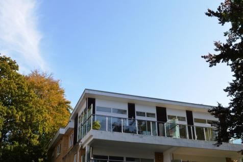 5 Stardaise, 10 Windsor Road. 2 bedroom apartment for sale