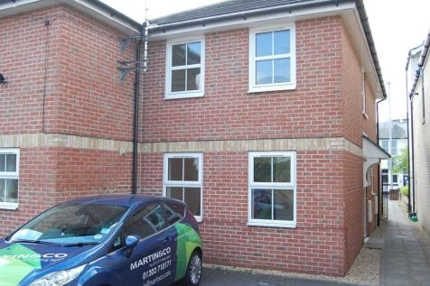 Poole, Dorset. 2 bedroom mews house