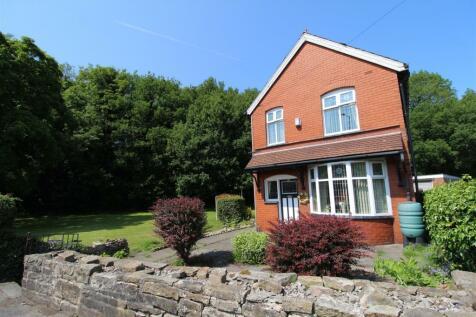 Chorley Road, Standish, Wigan. 4 bedroom detached house