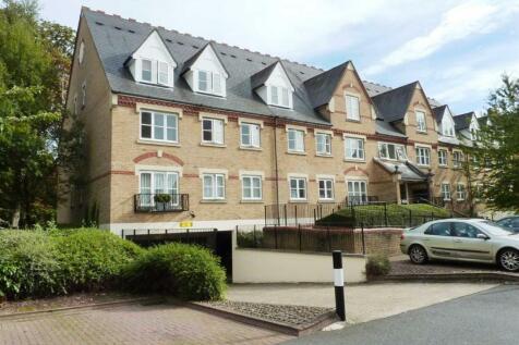 Eton House, Anglian Close, Watford. 2 bedroom flat