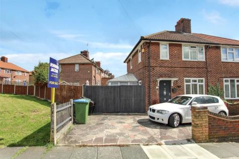 Birdbrook Road, London, SE3. 3 bedroom semi-detached house