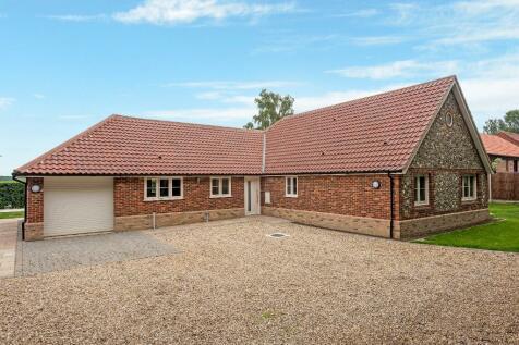 Pump Street,North Elmham, NR20 5LS. 3 bedroom detached bungalow for sale